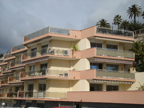 Menton - Garavan 3-Bedroom Penthouse Apartment - 110M²