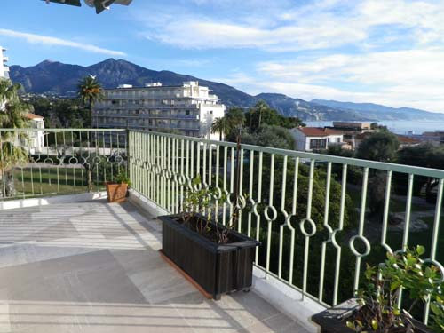 Roquebrune - Cap Martin - Plateau of the Cap 2-Bedroom Apartment - 88M²